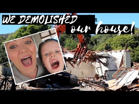 WE DEMOLISHED OUR HOUSE | WHOLE HOUSE DEMOLITION - SO SATISFYING!