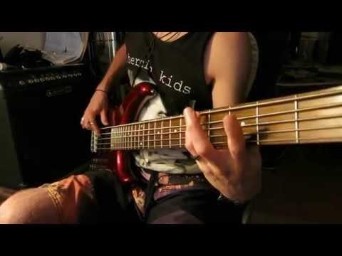 Gorillaz  Sound Check Gravity  bass