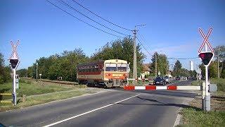 Spoorwegovergang Mohács (H) // Railroad crossing // Vasúti átjáró