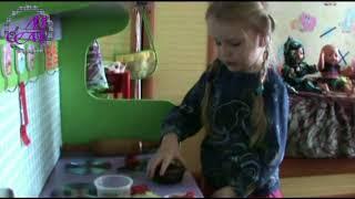 Детская кухня Готовим два замечательных блюда из кинетического песка Юный начинающий блогер ;-)
