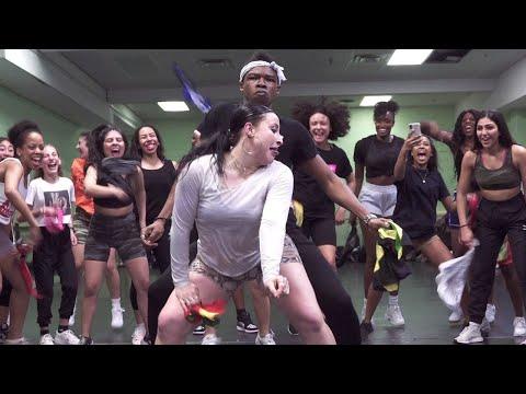 AMAZING SOCA DANCE CLASS! | CHOREOGRAPHY @BIZZYBOOM