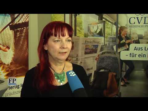 Autogrammstunde mit Sabine Ebert bei der Freien Presse
