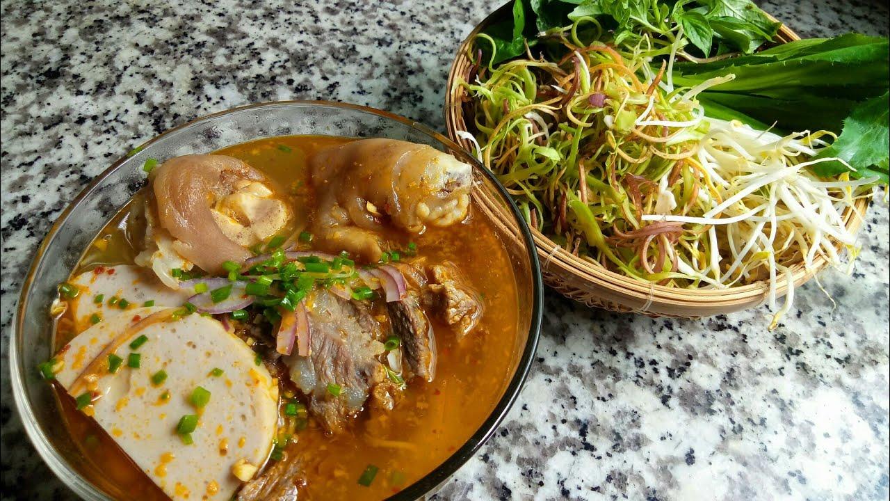 Bún Bò Huế – Cách nấu món BÚN BÒ GIÒ HEO nhanh gọn thơm ngon