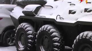 На стоянке автоломбарда обнаружили бронетранспортер без документов(, 2015-11-19T16:57:02.000Z)