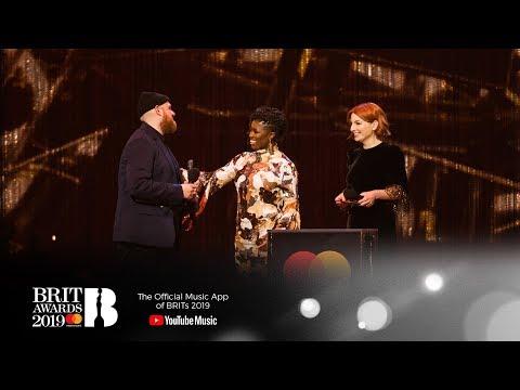 Tom Walker wins British Breakthrough Act | The BRIT Awards 2019 Mp3