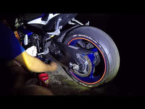 Gsxr 750 night time chain clean and lube time lapse
