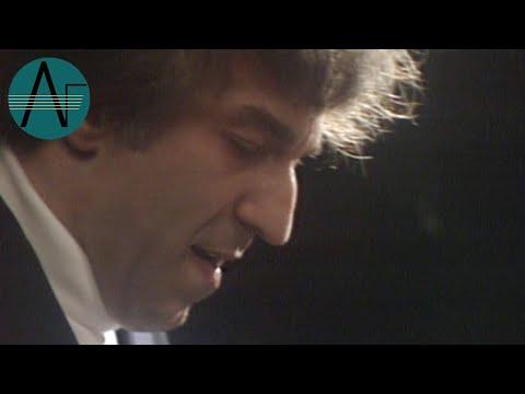 Vladimir Ashkenazy: Beethoven - Piano Sonata in C minor Opus 111