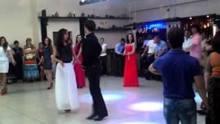 Танцы на осетинской свадьбе!
