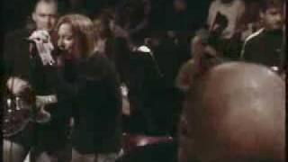 Portishead - Glory box (Live New York)