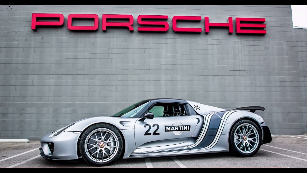 porsche 918 spyder delivery weissach package monochromatic martini wrap youtube. Black Bedroom Furniture Sets. Home Design Ideas