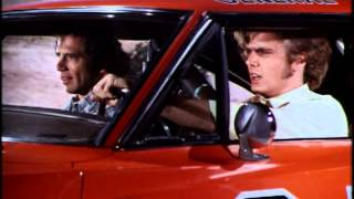The Dukes of Hazzard - General Lee and motorcycle jump