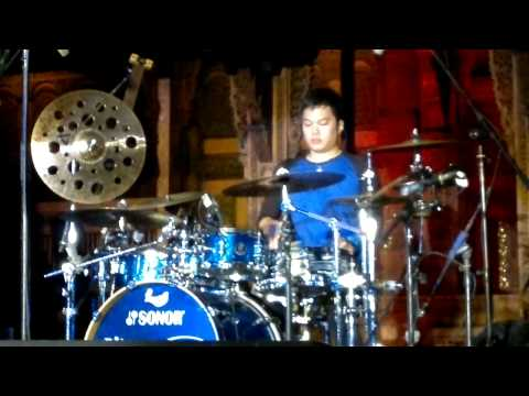 Drum Solo by Echa (The Fingers Live at Bentara Budaya Jakarta)