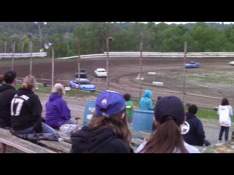 Hummingbird Speedway (5-20-17): Aaron's of DuBois Front-Wheel Drive Four-Cylinder Heat Race #2