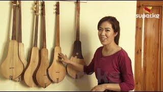 Музыкалык аспаптарга бай кыл кыякчы Залина Касымованын үйүндө конокто