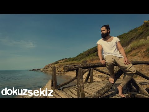 Koray Avcı - Diz Dize (Lyric Video)