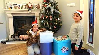 Masal and Öykü surprise christmas gifts - Fun Kids Video