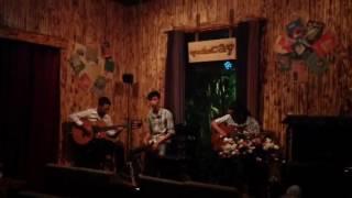 La Cumpasita - Vũ Nữ Thân Gầy - Guitar Gỗ Band @ QUÁN CÂY