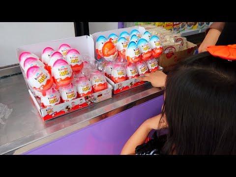 Hana Beli Kinder Joy 🐣 Apa Hadiahnya?🎊 Surprise Egg Mainan Anak