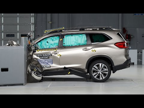 2019 Subaru Ascent Driver-side Small Overlap IIHS Crash Test