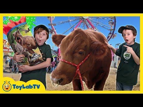 Jurassic World Surprise Toys Bag with Dinosaur Toy & Amusement Rides Showdown at Kids Theme Park