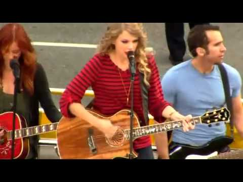 Taylor Swift - Long live - Thanksgiving Performance