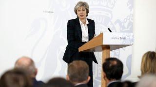 Чистый Брексит по Терезе Мэй: угрозы, обещания, торг с ЕС