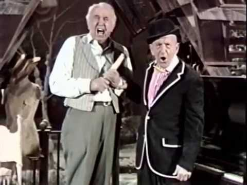 Walter Brennan reminiscing with Jimmy Durante 22170