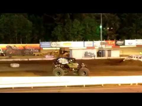 'Jail Break' Freestyle @ Coos Bay Speedway 2016 Monster Truck Rally!