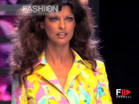 """Versace"" Spring Summer 2004 Milan 1 of 4 Pret a Porter Woman by Fashion Channel"