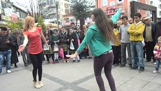 Repeat youtube video Georgian Dance acharuli in the street Turkey antalia