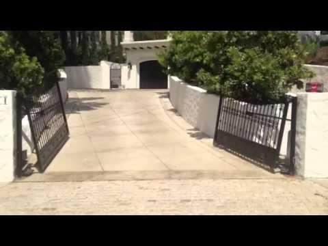 Uphill Swinging Driveway Gates Youtube