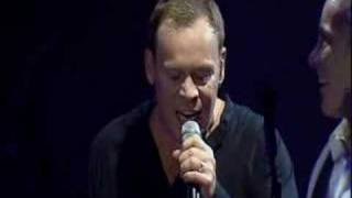 UB40 - 22# ♫ Kingston Town ♫ (Live Ahoy, Holland - 11/12/03)