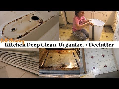 FALL CLEANING SERIES   KITCHEN DEEP CLEAN, ORGANIZE + DECLUTTER   WORKING MOM