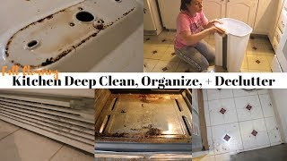 FALL CLEANING SERIES | KITCHEN DEEP CLEAN, ORGANIZE + DECLUTTER | WORKING MOM