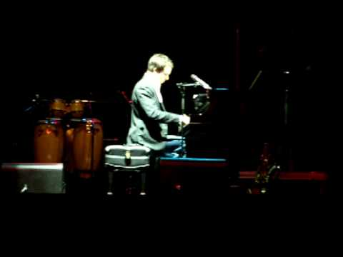 """Knox Ewing plays """"Song H"""" by Bruce Hornsby"""