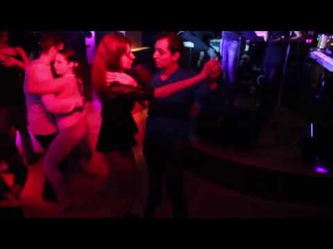 Bachata in club / Dans la liber