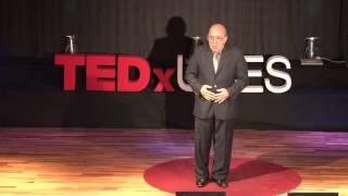 Tango, que no siempre me hiciste mal | Jose Basso | TEDxUCES