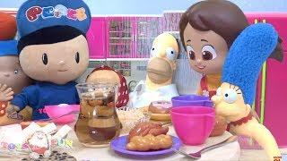Sarışın Niloya ve Bart Simpson yemekte şaka oyuncakları ile ortalığı birbirine katar! Pepee kaçar 4K
