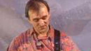 "Martin Carthy teaches ""The Siege of Delhi"""