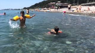 Солоники, лето 2014 год, пляж(Черное море. Поселок Солоники, Краснодарский край. Хорошее место для спокойного отдыха., 2014-10-01T06:53:37.000Z)