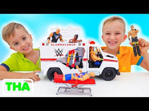 วลาดและนิกิเล่นกับของเล่นรถถัง WWE
