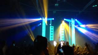 [HD] Deadmau5 - The Veldt (Tommy Trash Remix) [LIVE] New Years Eve @ Niagara Falls