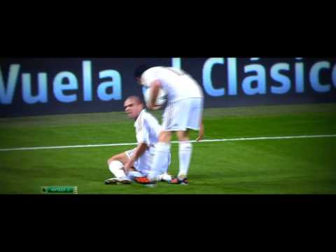 Pepe Dives And Kicks Alvaro Arbeloa - Real Madrid vs Valencia - HD