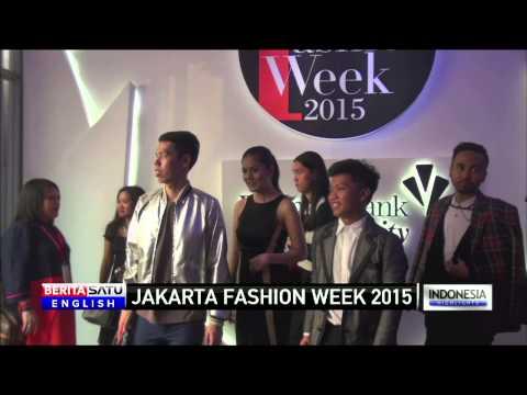 Jakarta Fashion Week Showcases Leading Indonesian Designers