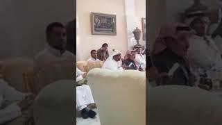 لحضة  رشق  وزير الاعلام المنشق  عبدالسلام جابر   بالحذاء   في السفاره اليمنيه بالرياض