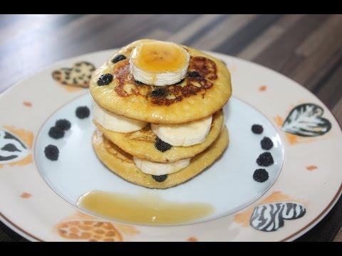 gesunde-und-glutenfreie-pancakes-mit-aroniabeeren,-lowcarb