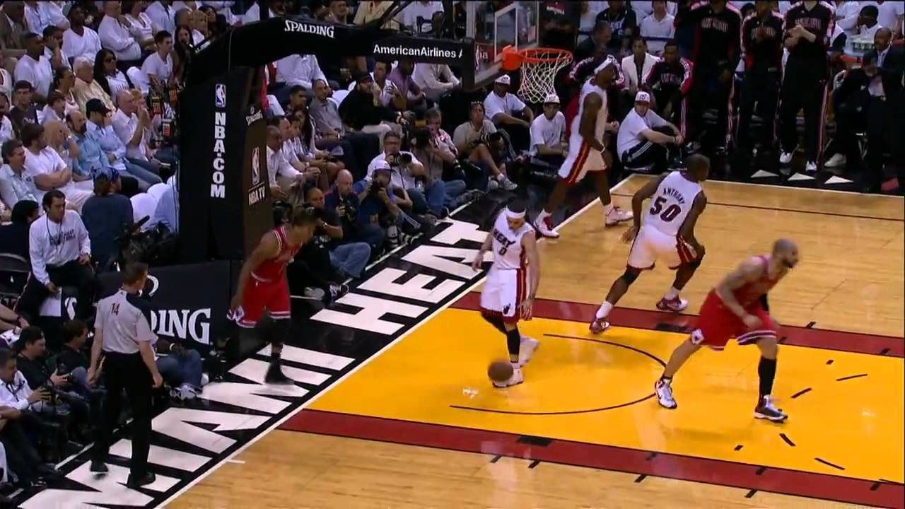 Derrick Rose dun...Lebron James Wallpaper Heat Dunk