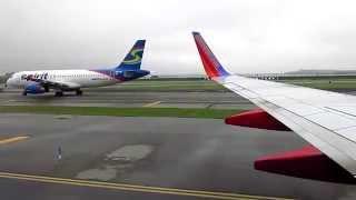 boeing 737 700 southwest airlines landing in new york lga