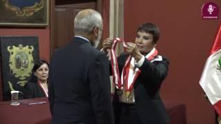 Tema: PROFESOR HONORARIO AL ESCRITOR LEONARDO PADURA