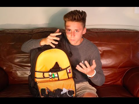 1d32cfa0d237 Amazon Basics  Camera Bag Review - YouTube